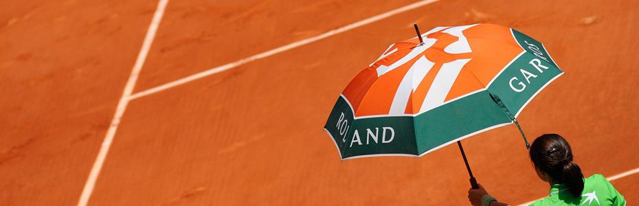 Sport_Tennis_court_037277_930x300